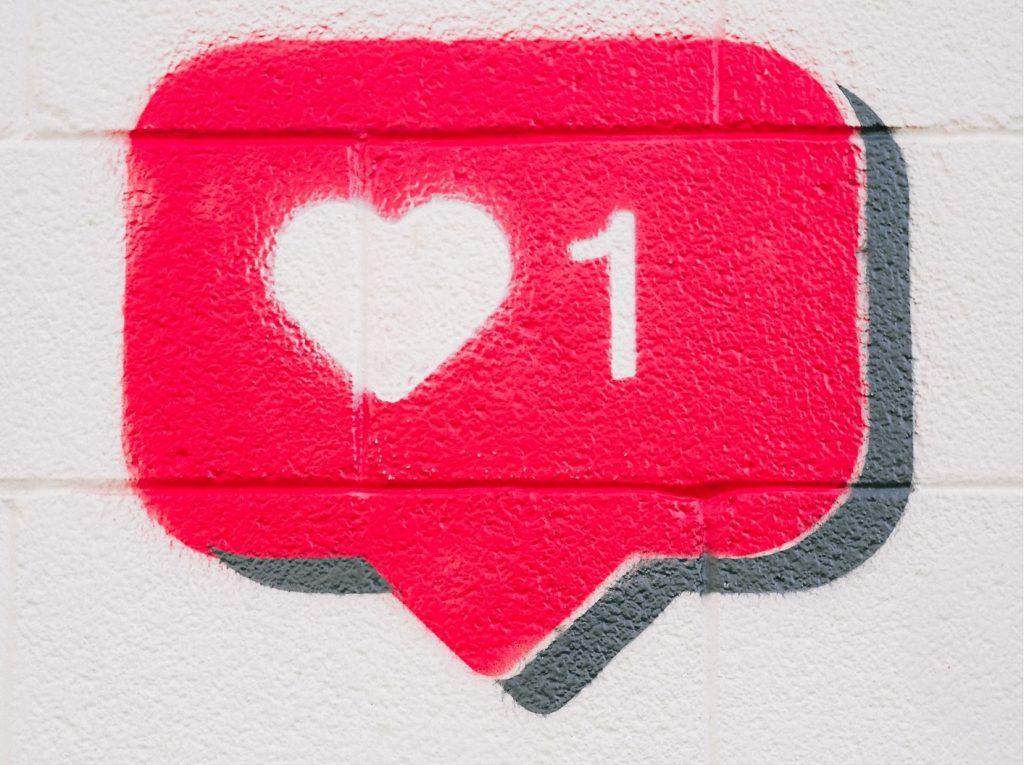 Berichten delen, likes en reacties via social media